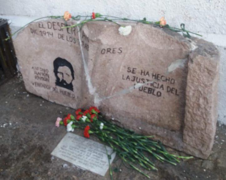 Jóvenes y trabajadores rinden homenaje a Antonio Ramón Ramón