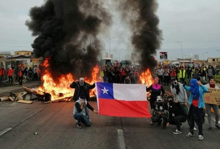 Protestas en todo Chile: Vuelve la revuelta en el día del  joven combatiente (vídeos)
