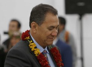 """Alcalde de Rapa Nui a ministro Jaime Mañalich: """"Ese señor es un esquizofrénico, llévenlo al manicomio"""""""