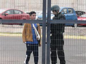Sale de la cárcel Vicente Revelo. preso político de la revuelta popular