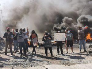 Noticias 25 de Mayo, Los vecinos de las tomas de Copiapó se manifestaron con un cacerolazo y encendiendo barricadas….escuche Radio El Rodriguista