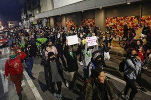 Las exigencias del 10% de las AFPs y de justicia para Antonia Barra llenó de caceroleos y protestas el país