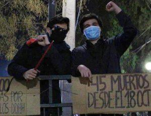Gustavo Gatica y Carlos Astudillo presentes en la protesta del 31 de julio