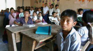 UNESCO dice que 24 millones de alumnos podrían abandonar estudios