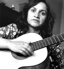 """Noticias 21 de septiembre. Los lectores de BBC escogieron las """"50 canciones inolvidables"""", """"Gracias a la Vida""""  de Violeta Parra esta en 3 lugar, luego de """"Bohemian Rhapsody""""  de  Queen  e """"Imagine"""" de John Lennon, también aparecen  """"Te Recuerdo Amanda"""" de Victor Jara, """"El baile de los que Sobran"""" de los Prisioneros y """"Vuelvo"""" de Intillimani….……Escuche Radio El Rodriguista."""