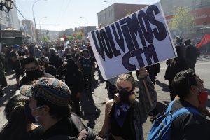 """Foto reportaje a """"Súper lunes"""" en Valparaíso"""