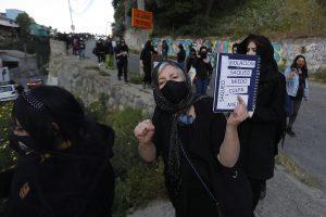 """Valparaíso: Intervención colectivo La Tesis """"Hoy hundimos el miedo"""""""