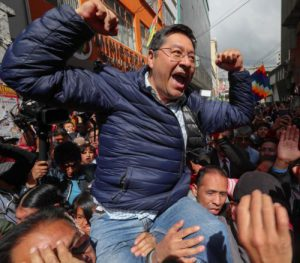 Bolivia. Según varias encuestadoras, Lucho Arce arrasa y no habría segunda vuelta
